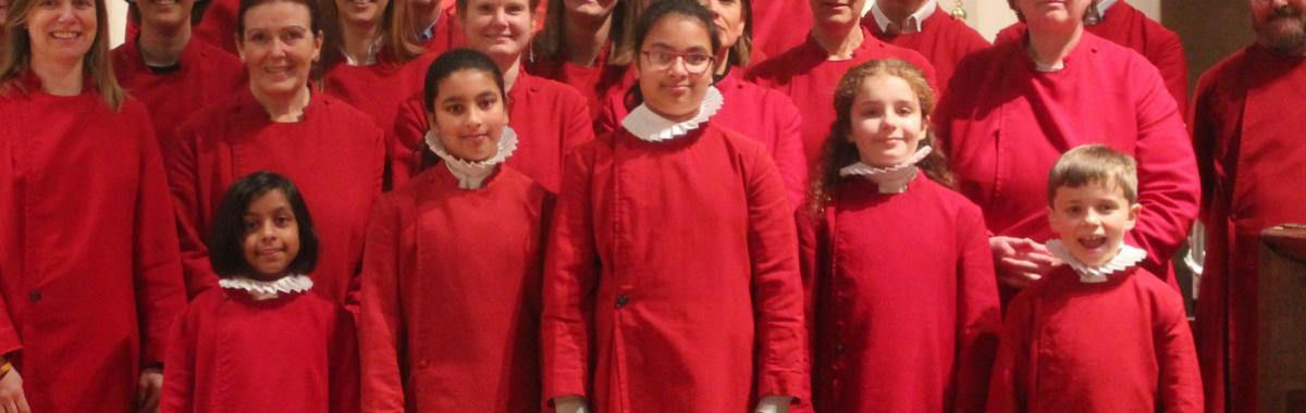 Junior Choir in front of Nine Lessons Choir
